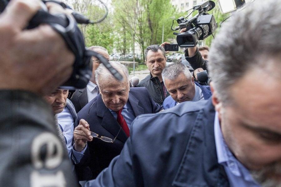Ion Iliescu, inculpat în dosarul Revoluţiei pentru crime împotriva umanității