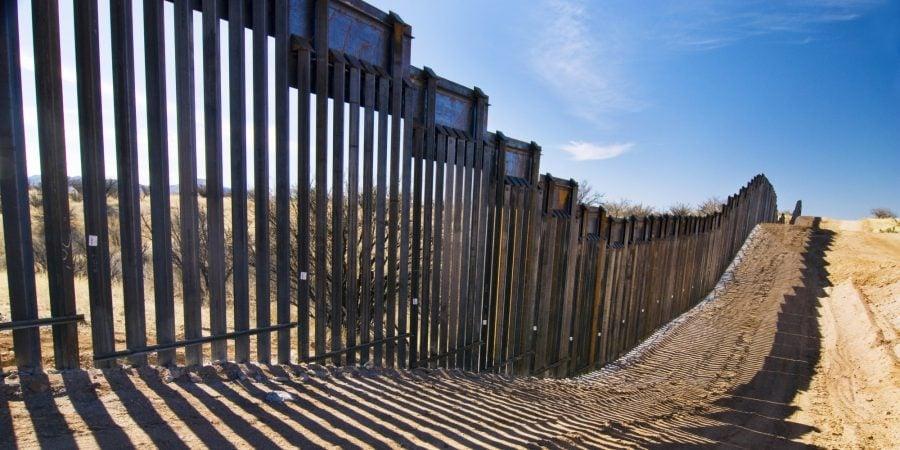 Trump va semna proiectul de lege privind frontiera și va declara starea de urgență pentru mai mulți bani pentru zid