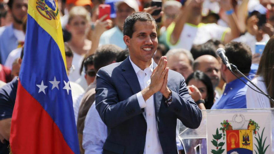 România îl recunoaşte pe Juan Guaidó ca preşedinte interimar al Venezuelei