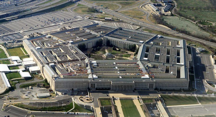 Pentagonul limitează recrutarea persoanelor transgender
