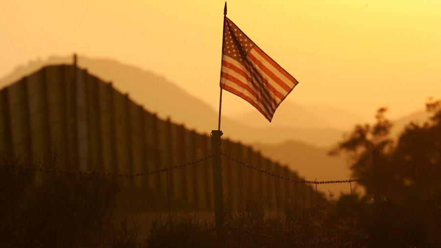 Noul asalt al frontierei determină o creștere de 10% în predicția din 2019: 1.072.000 imigranți ilegali