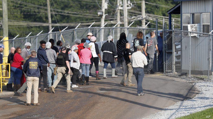 680 de imigranţi ilegali au fost arestaţi în Mississippi într-un raid de amploare al autorităţilor