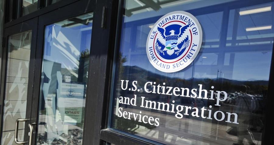 Conflictul dintre judecătorii de imigraţie şi Departamentul de Justiţie