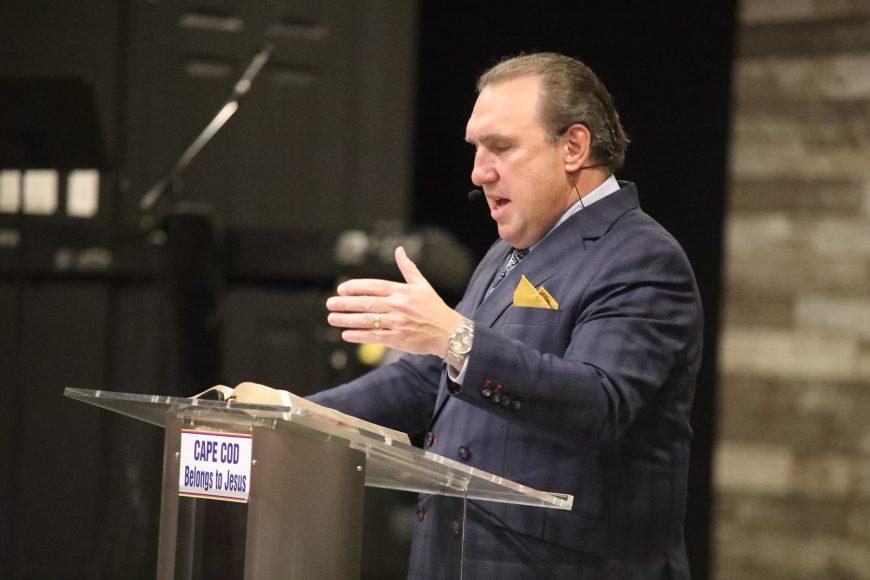 Cazul pastorului arestat în Florida se dovedește a fi abuz de putere și manipulare împotriva acestuia și a Bisericii