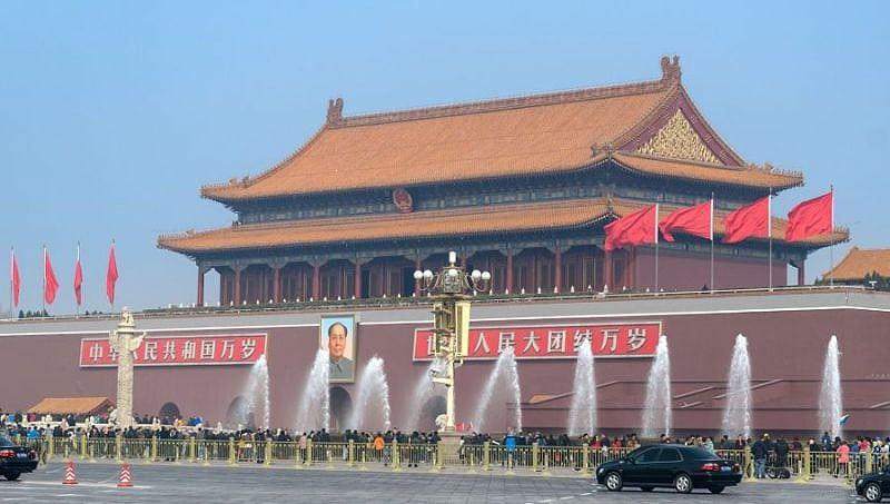 China prinsă că faultează – din nou!