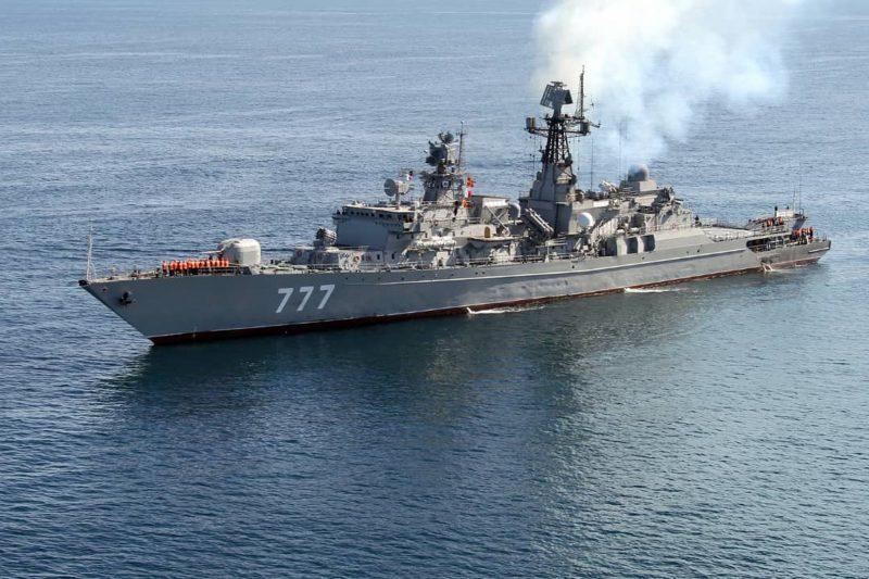 Armata Iranului și-a bombardat din greșeală o navă de război