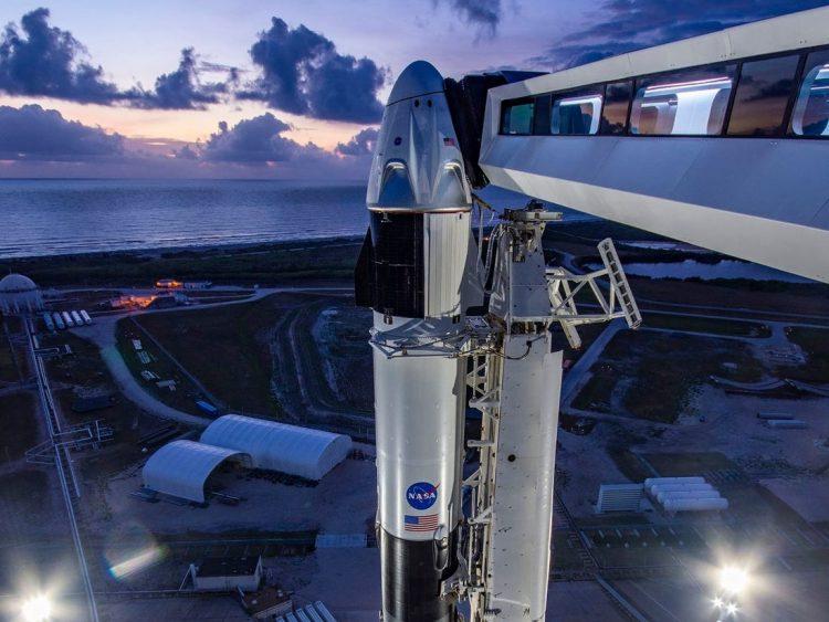 Misiune spațială istorică: NASA trimite astăzi oameni în spațiu cu o navă SpaceX (video)