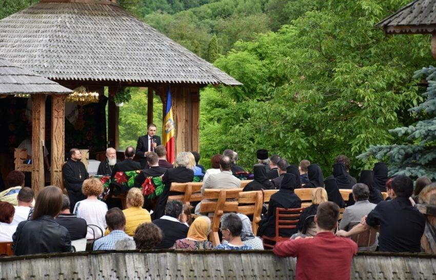 Ioan-Aurel Pop: Educația, școala, cultura, credința sunt cheia succesului
