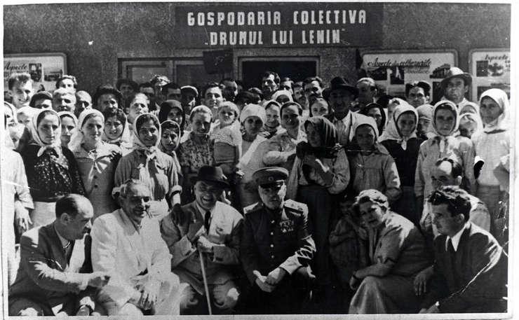 Pagina de istorie: Peste 800.000 de ţărani aruncaţi în închisori pentru că nu au vrut colectivizare