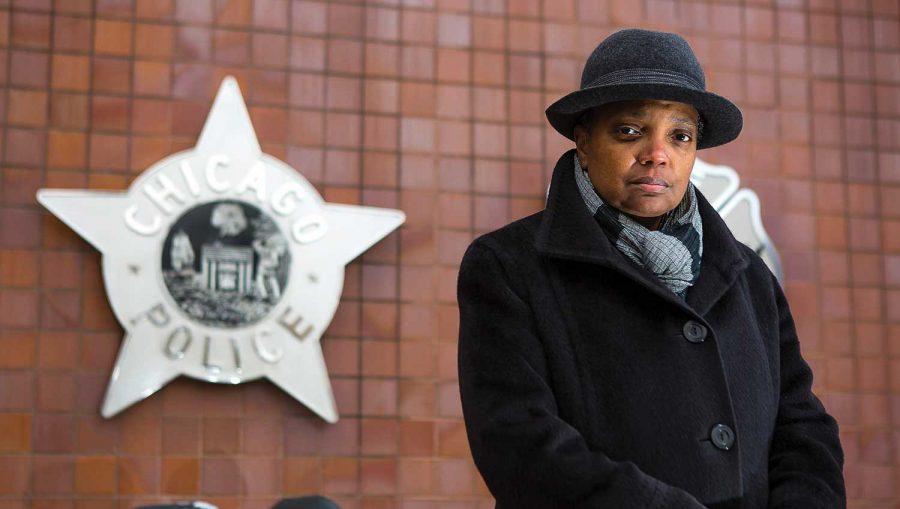 Primarul din Chicago dă vina pe arme și coronavirus pentru focarul de violența din oraș