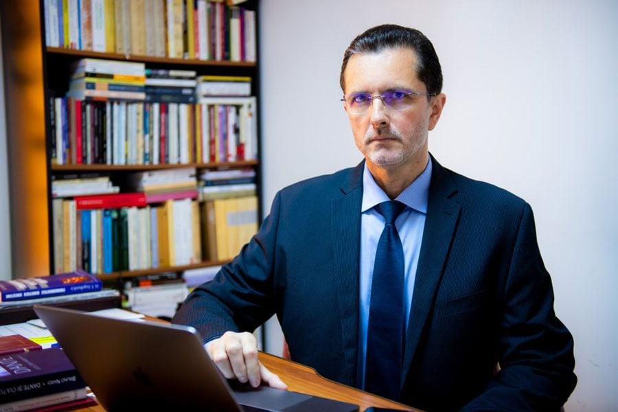 Vasile Bănescu (Patriarhia Română): Rugăciunea nu are graniţe confesionale şi nici de altă natură; absenţa ei – un păcat
