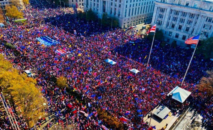 Sute de mii au mărșăluit în Washington pentru a-și arăta susținerea pentru Trump, cerând integritate electorală
