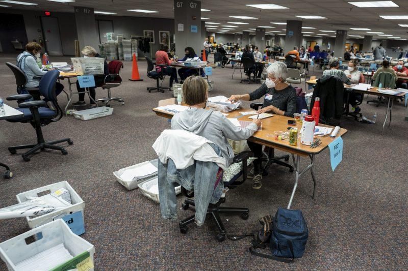 Trump plătește 3 milioane de dolari pentru renumărarea voturilor în Wisconsin