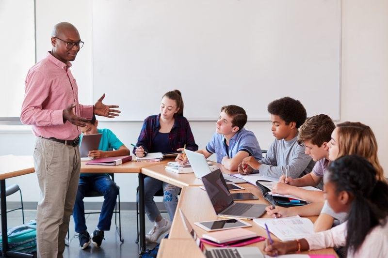 Ce ar trebui să predea școlile americane despre rasă, rasism și sclavie