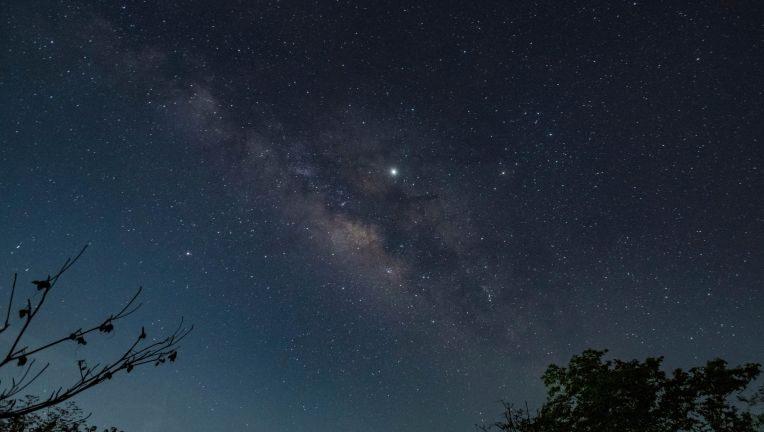 """""""Steaua de Crăciun"""" a fost vizibilă când Jupiter și Saturn s-au aliniat pentru prima dată în 800 de ani"""