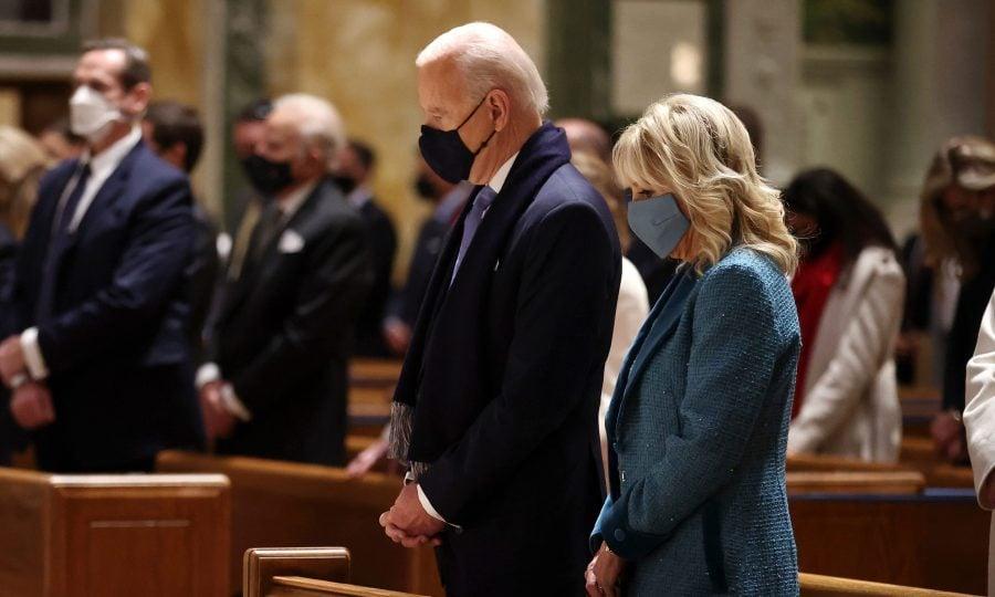 """Activist pro-viață: Biden își folosește religia creștină ca """"acoperire pentru politici extreme"""""""