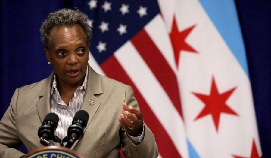 Chicago: Proces intentat primarului Lightfoot pentru că refuză interviuri cu reporterii albi