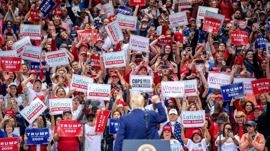 Mass-media încearcă cu agresivitate să-i elimine pe alegătorii lui Trump din procesul democratic