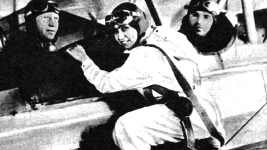 19 mai 1932 – Smaranda Brăescu stabilește recordul mondial la saltul cu parașuta