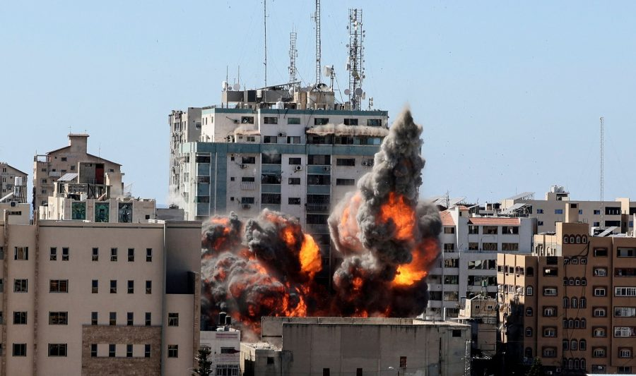 Hamas dezvolta tehnologie care să bruieze sistemul anti-rachetă Iron Dome în clădirea Associated Press bombardată de israelieni