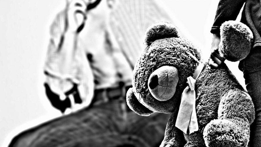 """""""Experimentul Kentler"""": Berlinul a plasat intenționat copii în grija unor pedofili timp de aproape 30 de ani"""