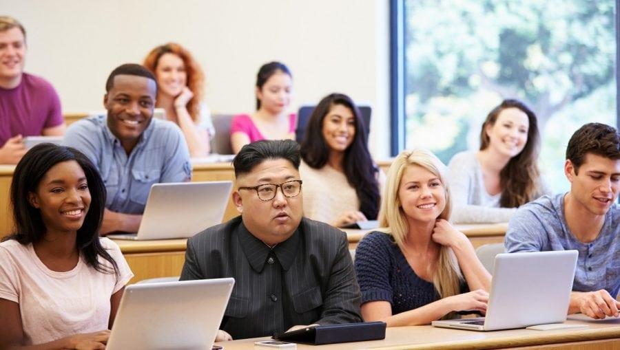 SATIRĂ: Kim Jong Un studiază noi tehnici de spălare a creierului în universitățile americane