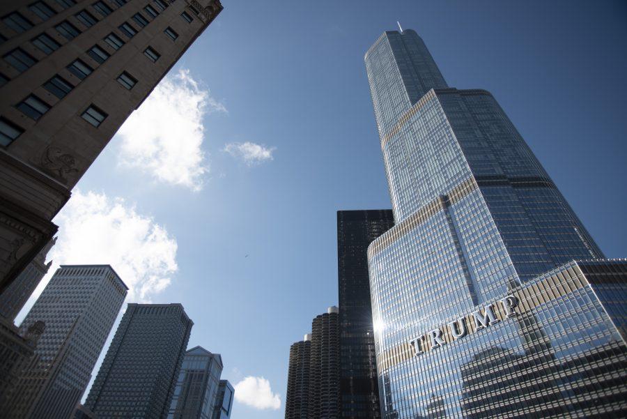 Oficialii din Chicago încearcă să blocheze rambursarea impozitului de 1 milion de dolari pentru Trump Tower
