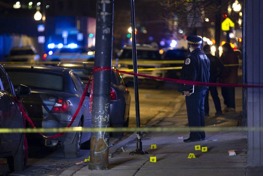 Chicago: 47 de persoane împușcate, 5 ucise în atacurile armate din week-end