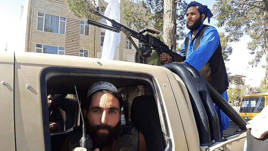 Creștinii din Afganistan își opresc telefoanele și se ascund de talibani