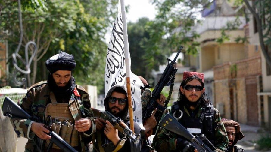 """Afganistan: Talibanii îi """"vânează"""" pe cei care au cooperat cu SUA"""