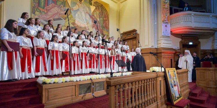 """Corurile din R. Moldova, așteptate să se înscrie la Festivalul-Concurs """"Lăudaţi pe Domnul"""" din București"""