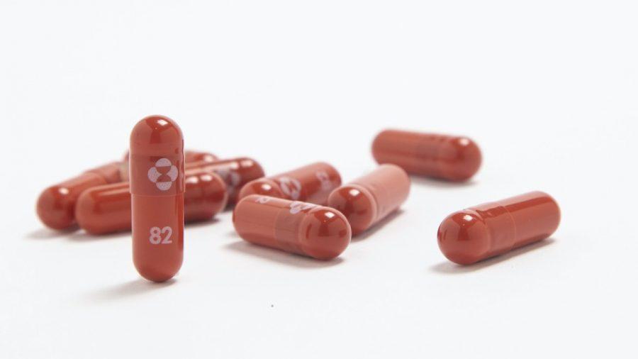Merck solicită aprobarea unui medicament antiviral pentru tratarea COVID