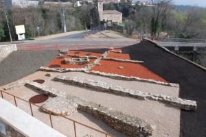 El passeig arqueològic a l'aire lliure de Besalú (la Garrotxa). Fotografia: Joan Frigol