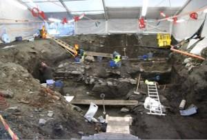 Arqueòlegs treballant al jaciment de Trondheim