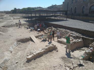 Excavacions a la zona de les termes.