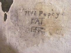 13. Detall d'un dels grafits apareguts en els calabossos del castell. Foto: Oriol Achón (Catarqueò
