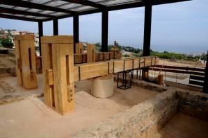 Rèpliques de les premses romanes documentades in situ del celler de Vallmora. Foto: Leticia Sierra