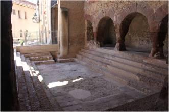 1. Piscina visitable del conjunt termal de Caldes de Montbui. Fotografia: Pere Lluís Artigues