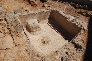 5. Dipòsit del jaciment de Sa Mesquida (Mallorca) on s'hi ha trobat residus de vi. Fotografia: Catalina Mas Florit