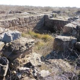 Vista de les restes de la torre del jaciment de Castellvell del poblat de Castellvell (Olius, Solsonès). Fotografia: SAP
