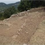 8. Vista general de les estructures i enderroc del sector 1 en curs d'excavació. Imatge: A. Gómez.