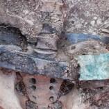9. Cinturó amb sivella de placa gravada amb l'emblema d'infanteria, que duia un dels soldats rebels enterrats al Soleràs. Fotografia: Iltirta Arqueologia