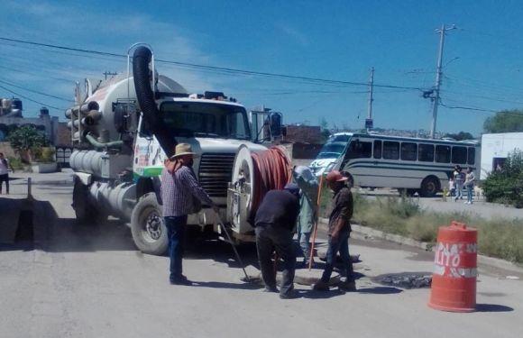 Agua Potable atiende reportes de desazolve en la colonia Las Huertitas