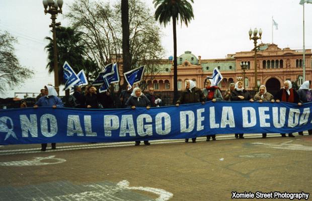 20100509-argentina-no-al-pago-de-la-deuda