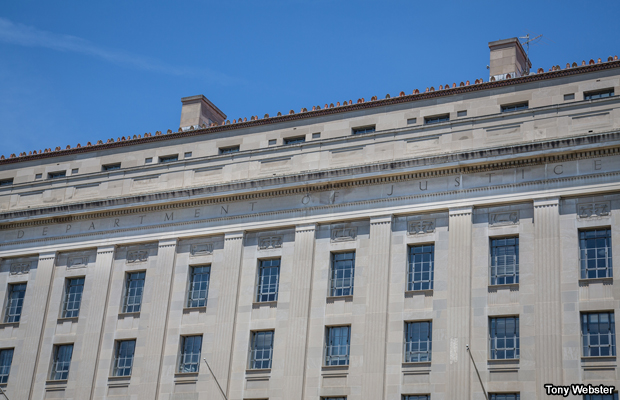 20140601-department-of-justice-building
