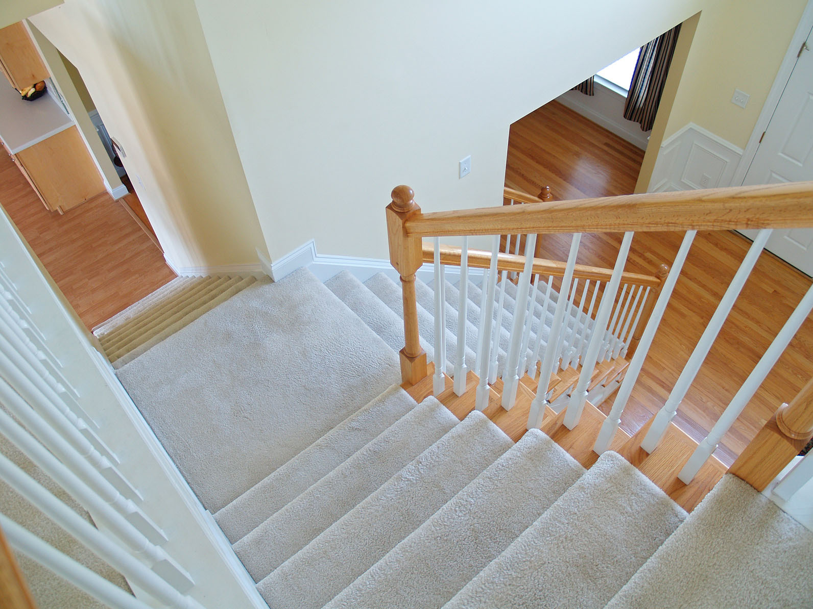 Elegant How To Install Carpet Protector On Stairs Solution For
