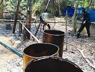 illegal-refinery