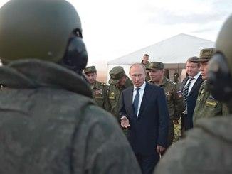 russian-president-vladimir-putin-and-troops