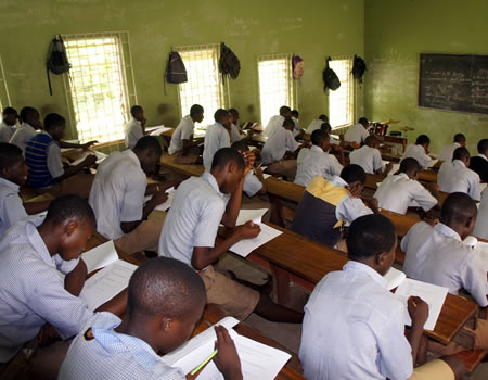 The Kwara government has warned Secondary School Principals in the state against aiding any form of examination malpractice as  the West Africa Senior School Certificate Examination (WASSCE) starts on Aug. 17. Mrs Fatimoh Ahmed, Commissioner for Education and Human Capital Development, echoed the warning on Friday in Ilorin. The meeting involved officials of the Ministry […]