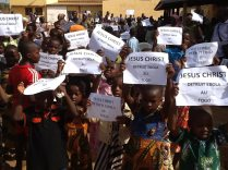 Sotouboua-Togo_Prayer-Walk-Nov29-2014-Ebola-08